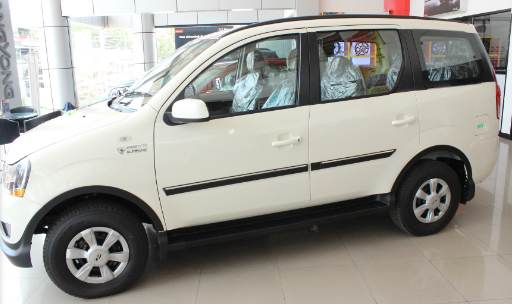mahindra mahindra xylo e8 specifications on road ex showroom prices. Black Bedroom Furniture Sets. Home Design Ideas